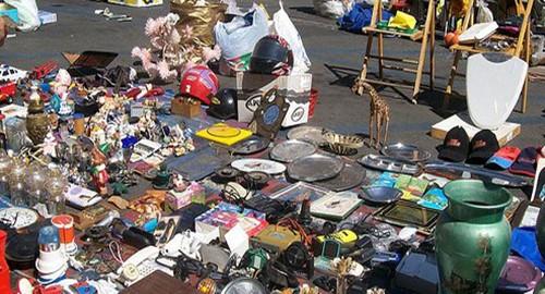 Mercato delle pulci domenica apertura nel parcheggio for Mercatino delle pulci catania