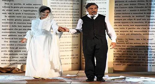 Nella foto di Dino Stornello in scena Emanuela Muni e Francesco Foti