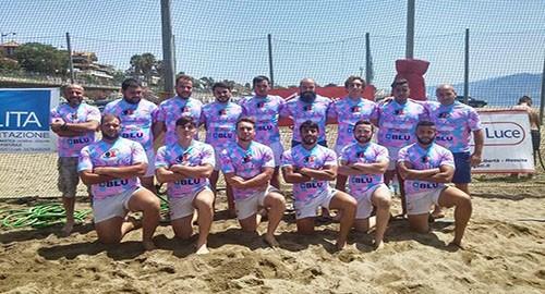 Nella foto la squadra di beach rugby dell'Amatori Catania