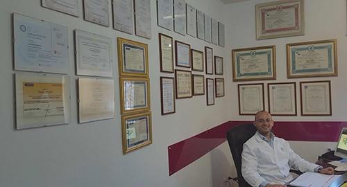 Il dottor Cristian Fioriglio inventore del BioTappo