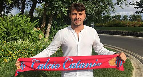 Nella foto (Calciocatania) il nuovo arrivato De Santis